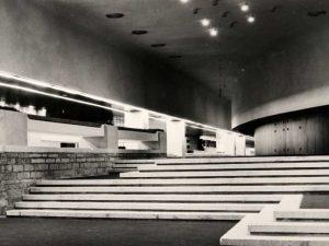 1980.A VALMINUD LINNAHALL